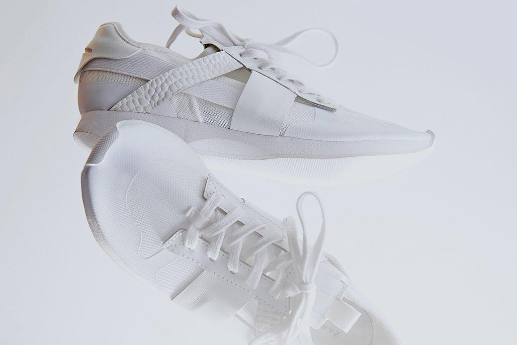 Ревизия:  Белые кроссовки. Изображение № 7.