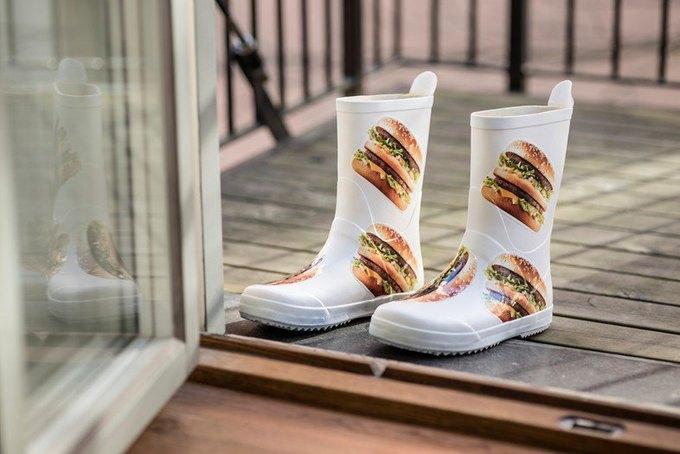 McDonald's запустил линейку одежды и товаров для дома. Изображение № 2.