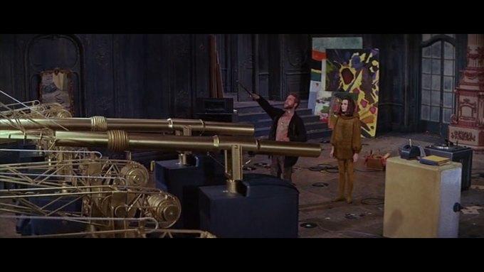 Что можно узнать о стиле  из комедии 60-х  «Что за путь!». Изображение № 8.