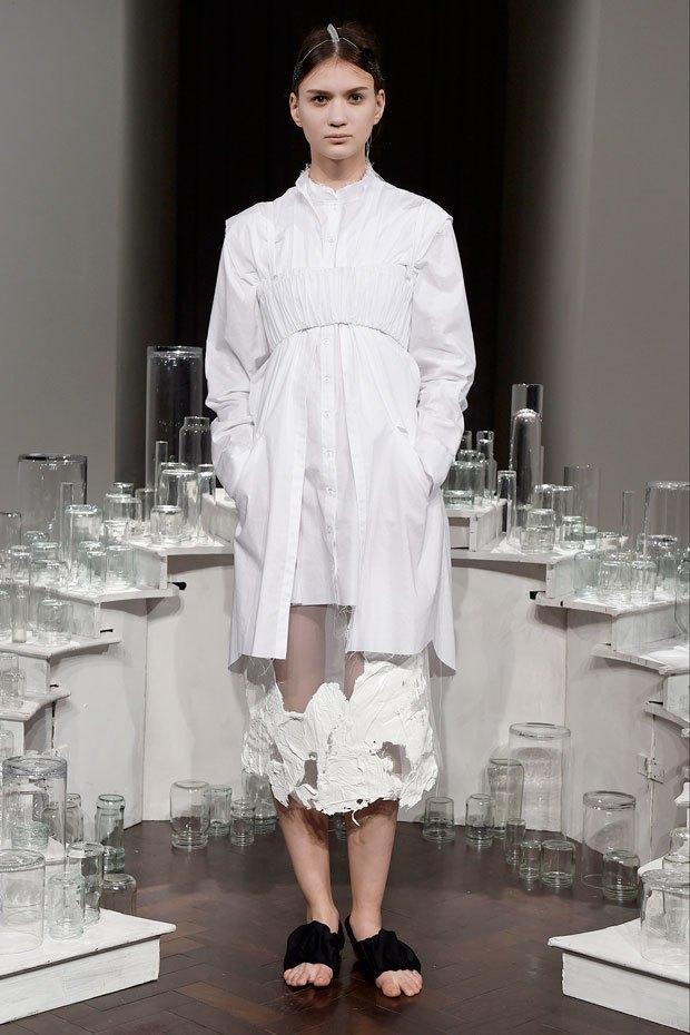 Phoebe English: Сдержанная одежда  в духе неоготики. Изображение № 7.