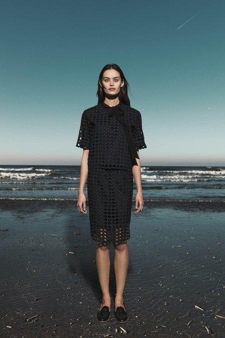 Леопардовые пальто и кружевные юбки в лукбуке Sea. Изображение № 19.