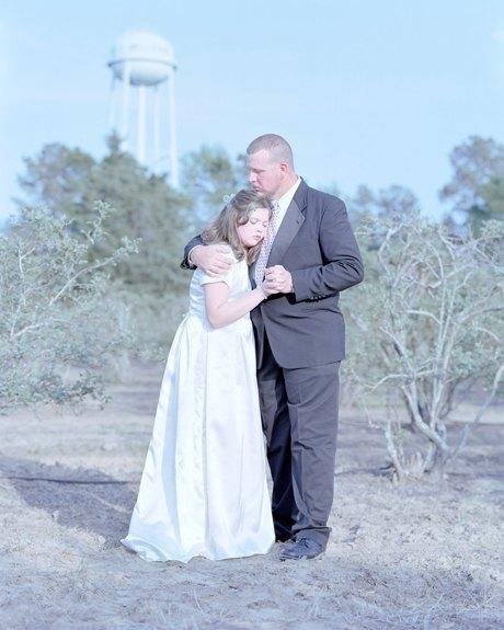 «Бал невинности»:  Дочери дают обет верности отцам. Изображение № 4.