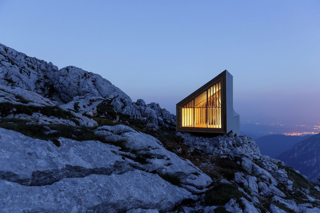 Горное убежище для хайкеров и альпинистов. Изображение № 5.