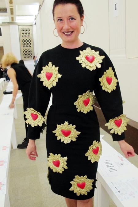 Нереальное платье поклонницы KTZ с объемными аппликациями. Изображение № 12.