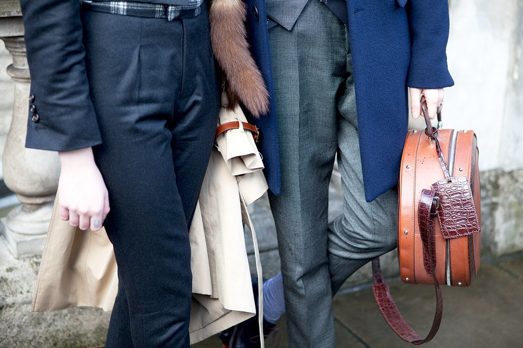Стритстайл:  Что носят гости  London Fashion Week. Изображение № 16.