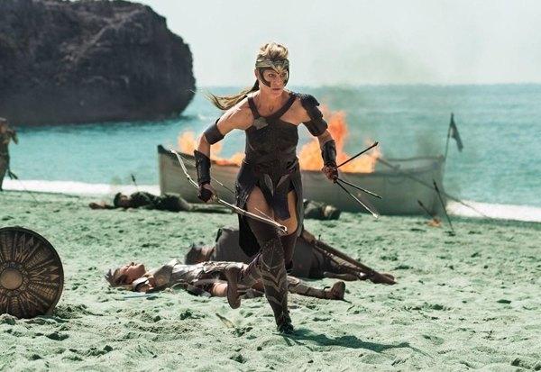 «Чудо-женщина»: Как Голливуд изобретал супергероиню. Изображение № 8.