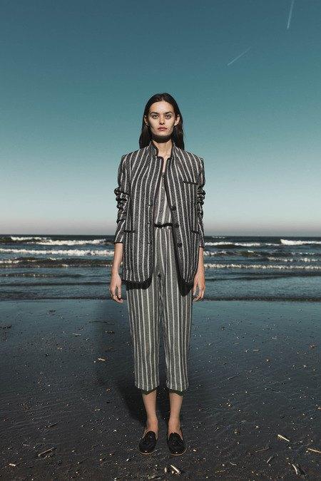 Леопардовые пальто и кружевные юбки в лукбуке Sea. Изображение № 11.