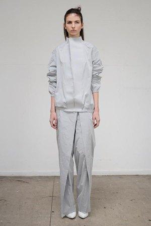 Thomas Tait:  Объемная одежда архитектурных форм. Изображение № 5.