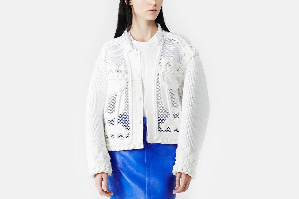 Xiao Li: Скульптурная одежда из трикотажа  и силикона. Изображение № 2.