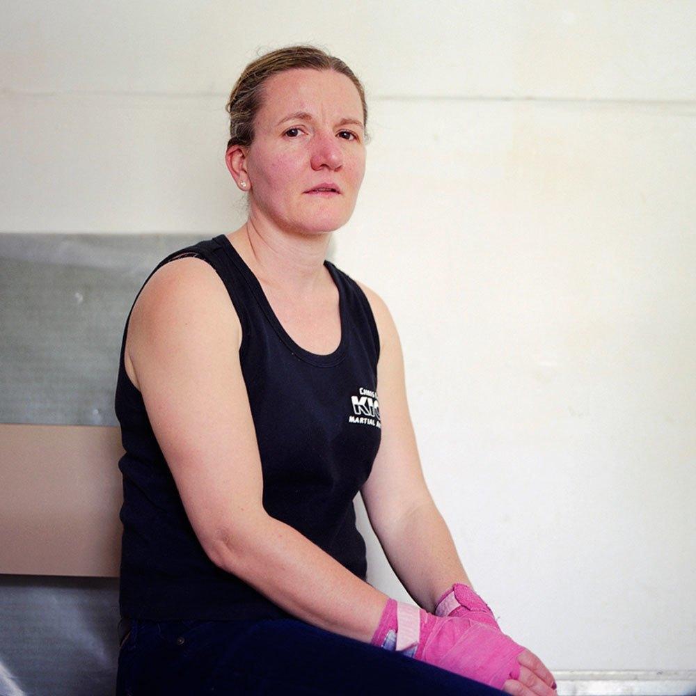 «Женщины с кулаками»: Кикбоксерши после боя. Изображение № 11.