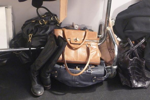 Изображение 17. Milan Fashion Week: бэкстейдж показа Max Mara.. Изображение № 2.