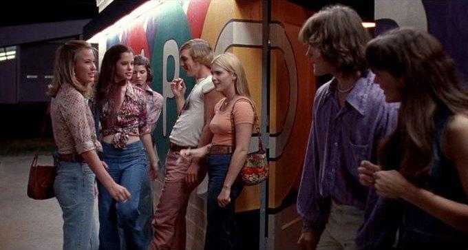 Что можно узнать о стиле 70-х из фильма «Под кайфом и в смятении». Изображение № 52.