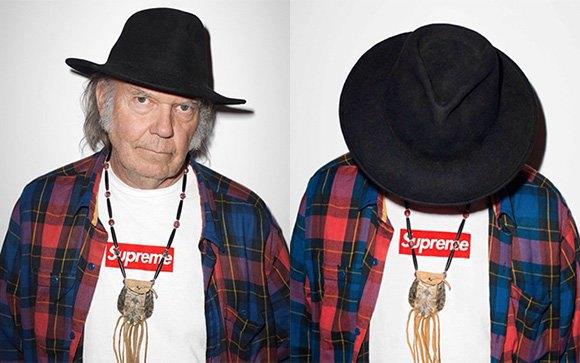 Легенда фолк-рока Нил Янг снялся в рекламной кампании Supreme. Изображение № 1.