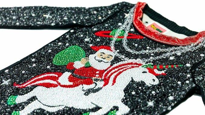 Можно ли было сделать уродливый свитер ещё уродливее? Да!. Изображение № 2.