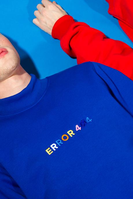 Питерская марка E404: Треники, футболки и худи с надписями. Изображение № 4.