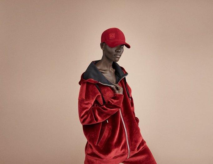 Одежда спортивной марки Бейонсе Ivy Park будет продаваться в России. Изображение № 12.