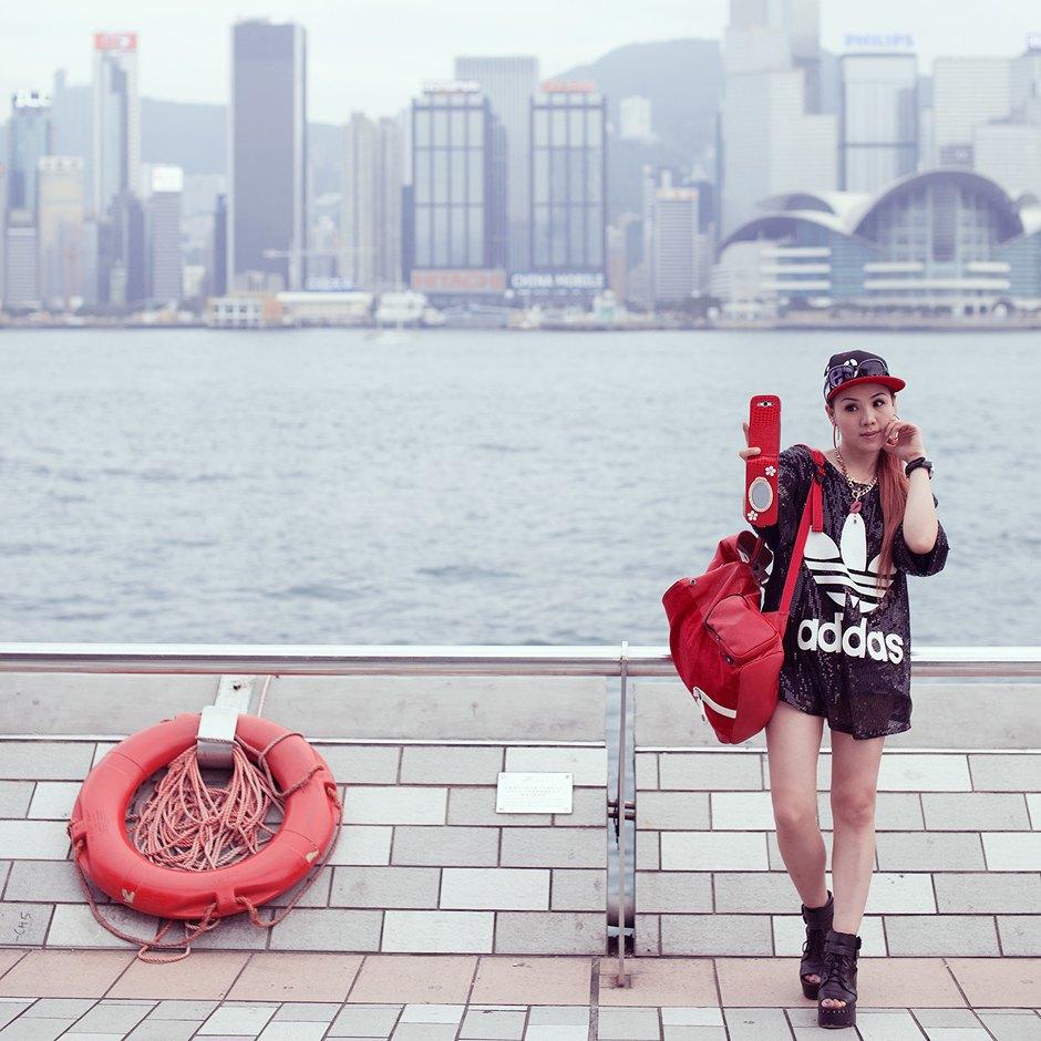 «Self Promenade»: Любители селфи в Гонконге. Изображение № 16.