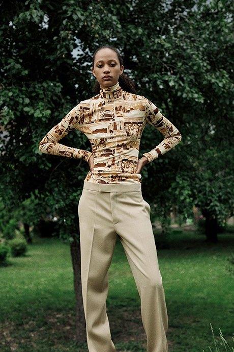 Новый лукбук Céline: Меховая обувь и идеальные костюмы. Изображение № 14.
