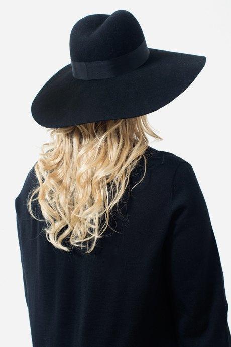 Cоздательница марки BLANK.MOSCOW Лена Юрьева о любимых нарядах. Изображение № 13.