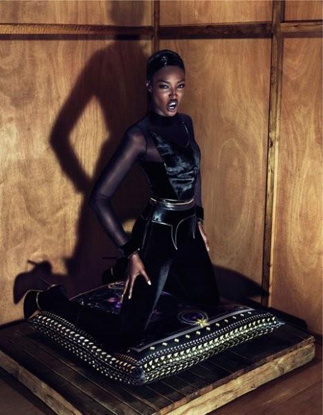 Наоми Кэмпбелл в рекламной кампании Givenchy. Изображение № 40.
