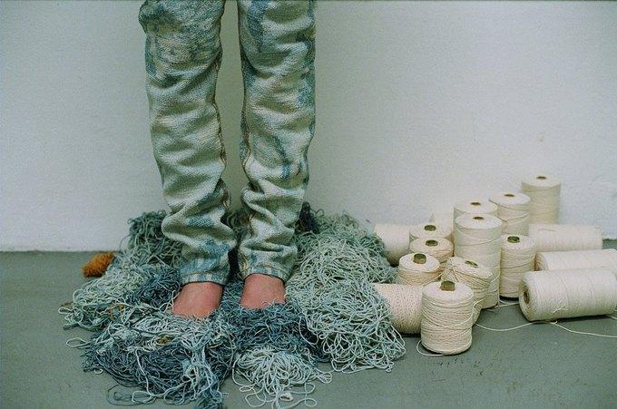 Джинсы цвета мяты и махровые куртки в лукбуке Faustine Steinmetz. Изображение № 1.