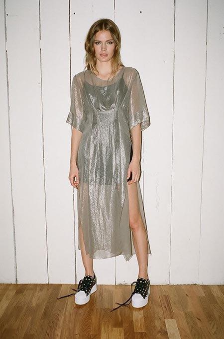 Пижамы, комбинации и халаты в новой коллекции Walk of Shame. Изображение № 23.