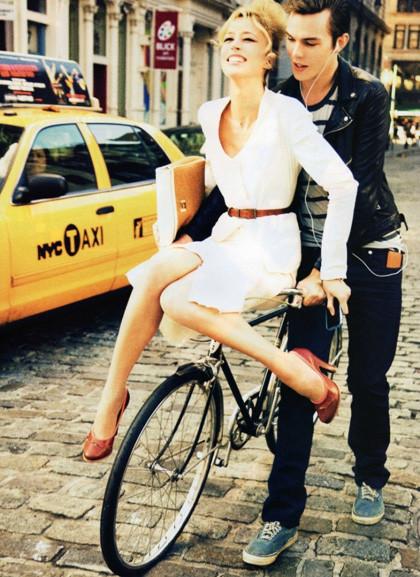 Ах, лето: Фэшн-съемки с велосипедами. Изображение № 13.