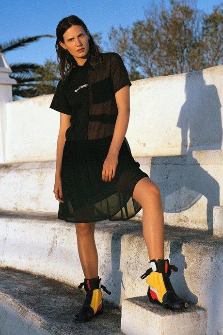 С чем носить спортивные вещи:  8 модных образов  на каждый день. Изображение № 4.