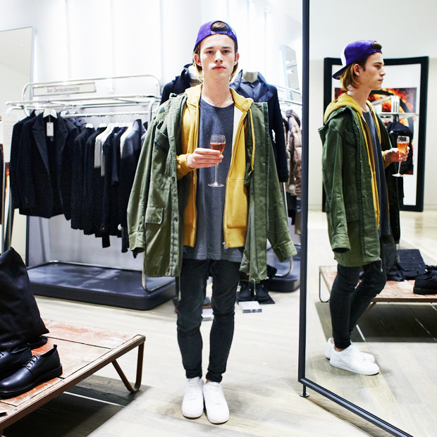 Грош цена: Люди на Fashion's Night Out о самых выгодных покупках. Изображение № 29.
