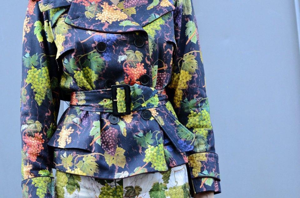 Парень в камуфляже, девушка-Микки-Маус и другие гости Paris Fashion Week. Изображение № 5.