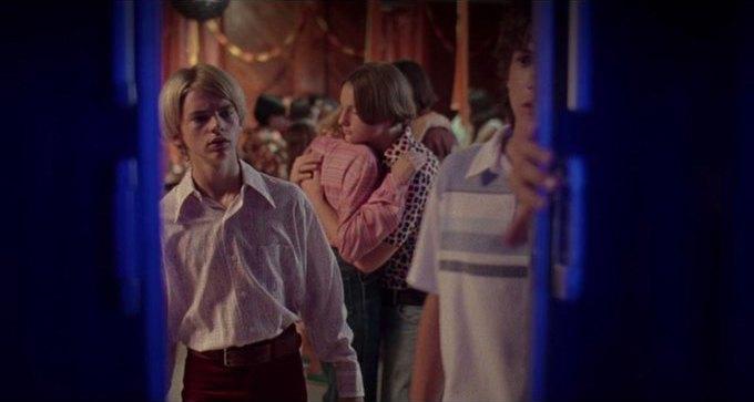 Что можно узнать о стиле 70-х из фильма «Под кайфом и в смятении». Изображение № 48.