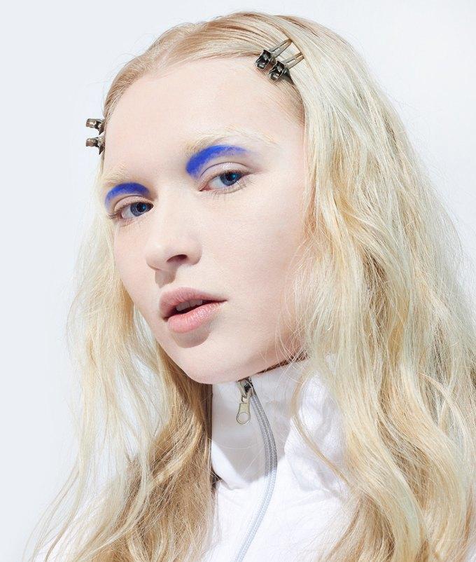 Как носить яркие тени: 6 вариантов макияжа. Изображение № 5.