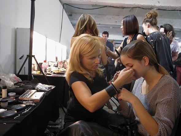 London Fashion Week: Репортаж с бэкстейджей House of Holland и Vivienne Westwood. Изображение № 3.