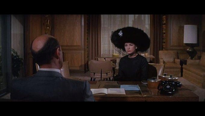 Что можно узнать о стиле  из комедии 60-х  «Что за путь!». Изображение № 26.