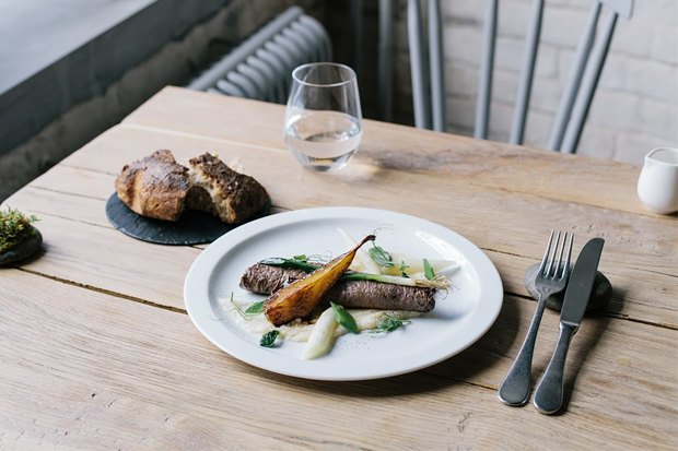 Как питаться в ресторанах  с умом и не переедать:  5 лайфхаков. Изображение № 1.