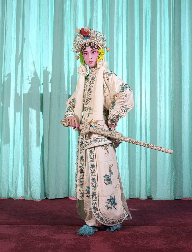 «Opera»: Студенты Пекинской оперы  в традиционных костюмах. Изображение № 8.