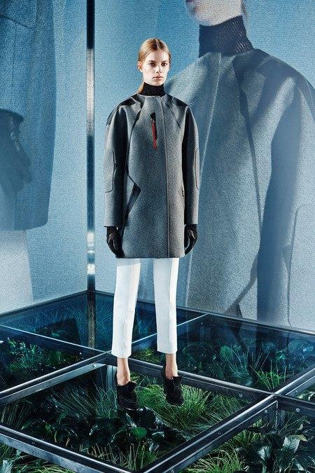 Крупная вязка и монохром в новой коллекции Balenciaga. Изображение № 15.