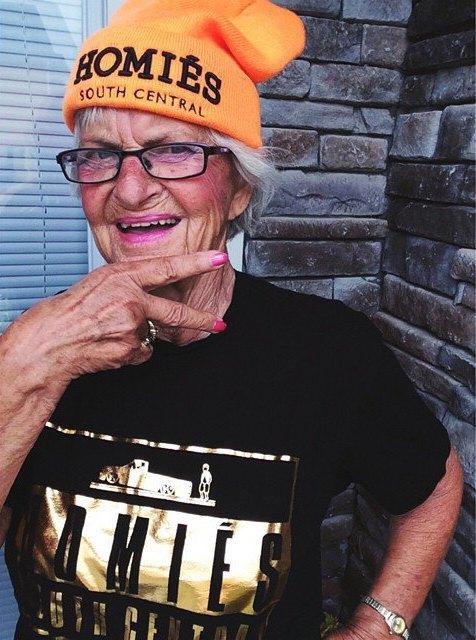 Новое имя:  Модная пенсионерка  Бадди Винкл. Изображение № 2.