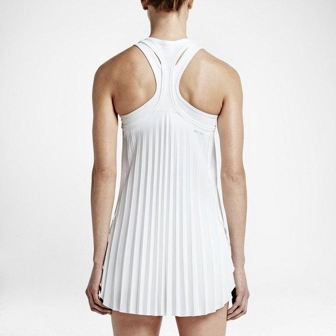 Теннисистки пожаловались на слишком короткие платья для Wimbledon. Изображение № 2.