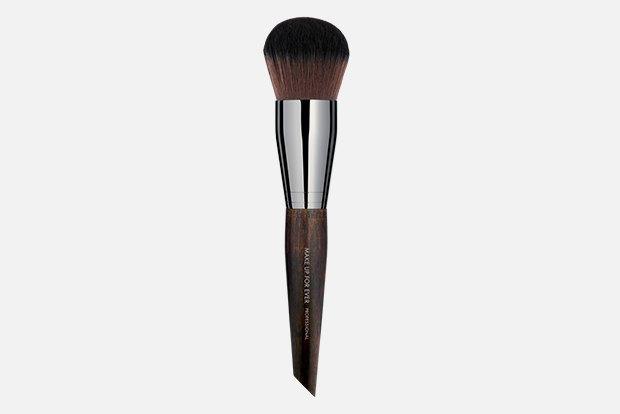 Робочі інструменти: 10 необхідних кистей для макіяжу.  Зображення № 8.
