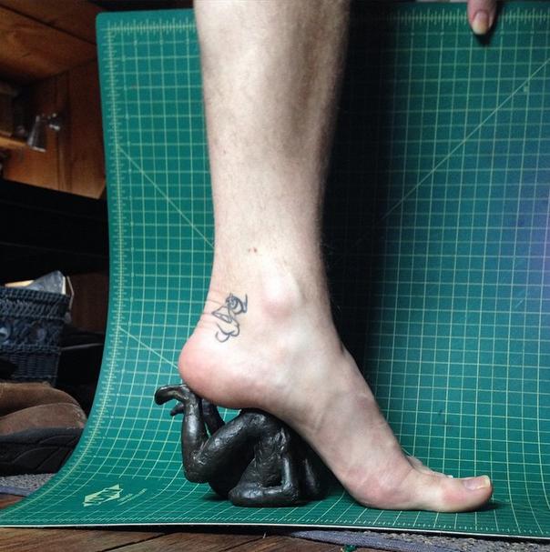 Новый тренд Instagram — «туфли» из подручных предметов. Изображение № 1.