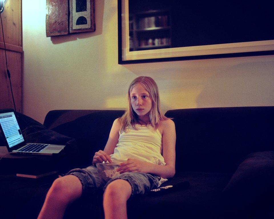 «От девочки к девушке»: История взросления  в фотографиях. Изображение № 3.