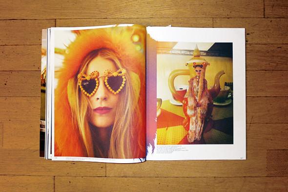 Cъемка «Greetings from Carnyville», фотографы София Санчес и Мауро Монджелло, стилист Джованна Батталья. Изображение № 43.