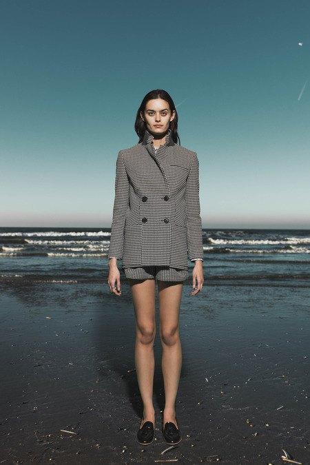 Леопардовые пальто и кружевные юбки в лукбуке Sea. Изображение № 24.