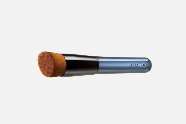 Робочі інструменти: 10 необхідних кистей для макіяжу.  Зображення № 4.