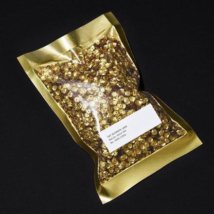 Пэт Макграт представила универсальный золотой пигмент. Изображение № 2.