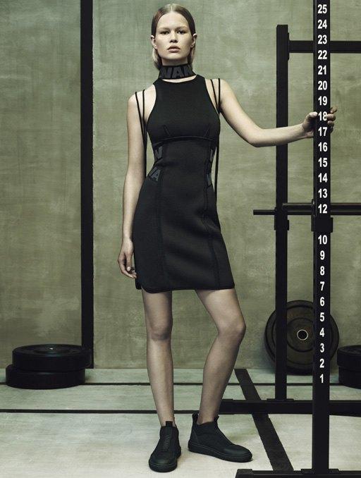 Торжество спорта  в лукбуке Alexander Wang x H&M. Изображение № 9.