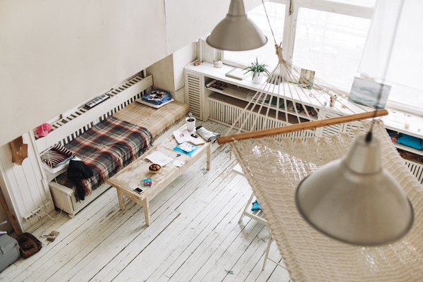 Дизайнер одежды Катя Яэмурд у себя в студии. Изображение № 7.