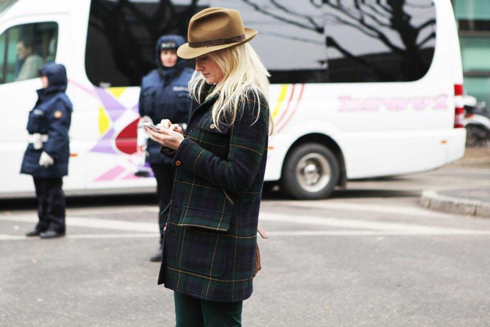 Анна Делло-Руссо, Элеонора Каризи и другие гости Миланской недели моды. Изображение № 21.
