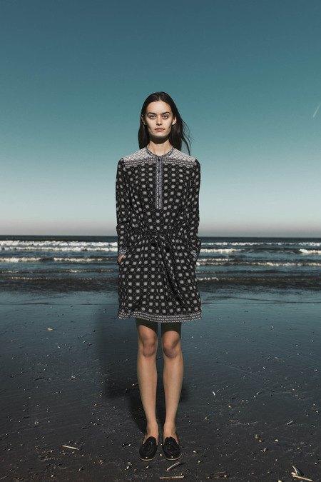 Леопардовые пальто и кружевные юбки в лукбуке Sea. Изображение № 18.